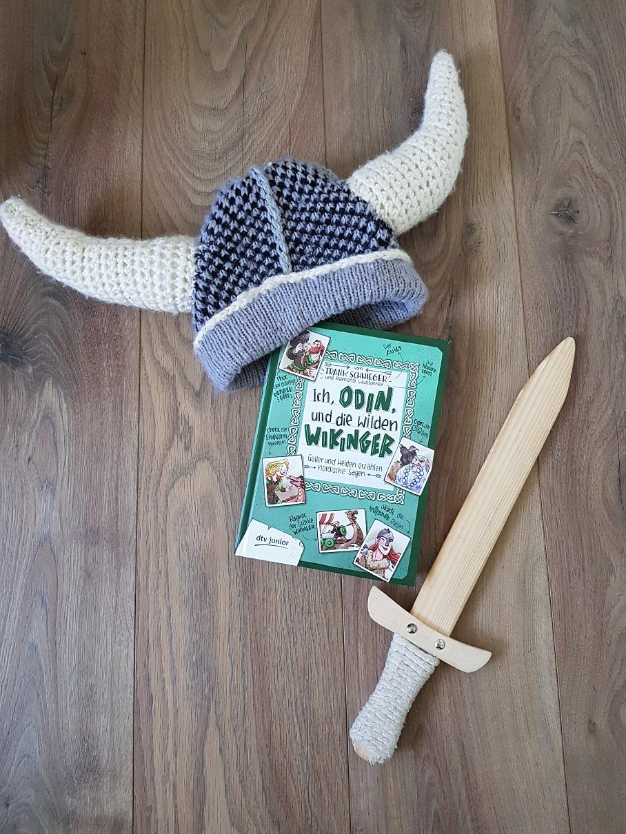 Cover von Ich, Odin und die wilden Wikinger mit Wikingermütze und Schwert